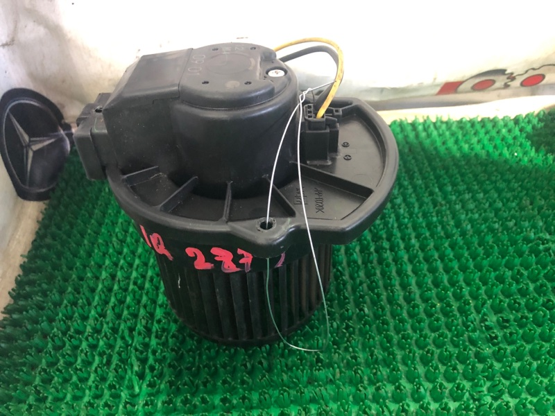 Мотор печки Toyota Iq KGJ10 1KR-FE 2010