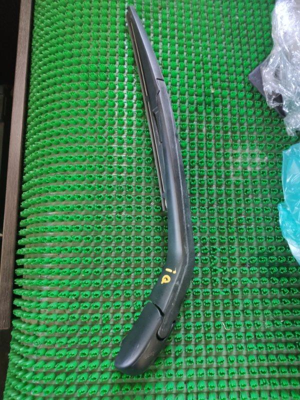 Дворник 5-й двери Toyota Iq KGJ10 1KR-FE 2010