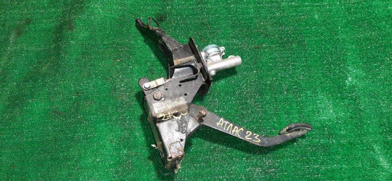 Главный цилиндр сцепления Nissan Atlas P2F23 TD27 1994