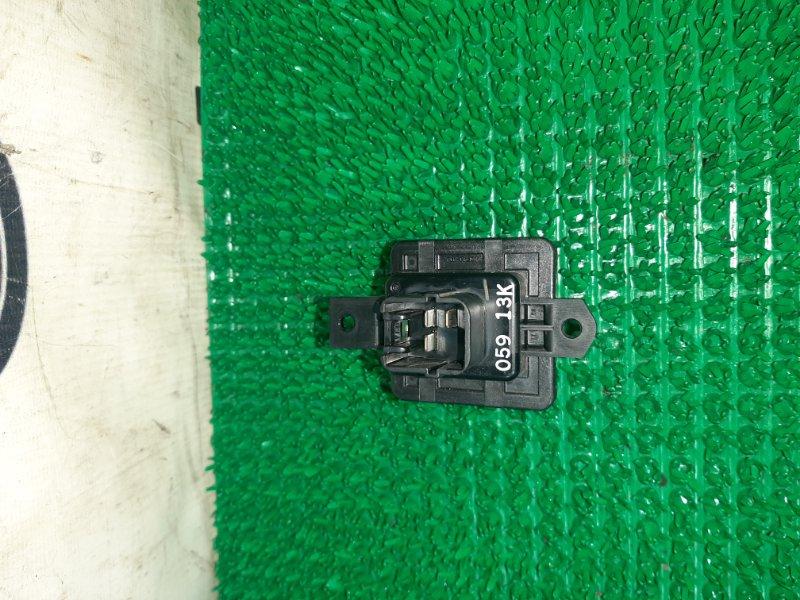 Резистор Mitsubishi Outlander Phev GG2 4B11 2013