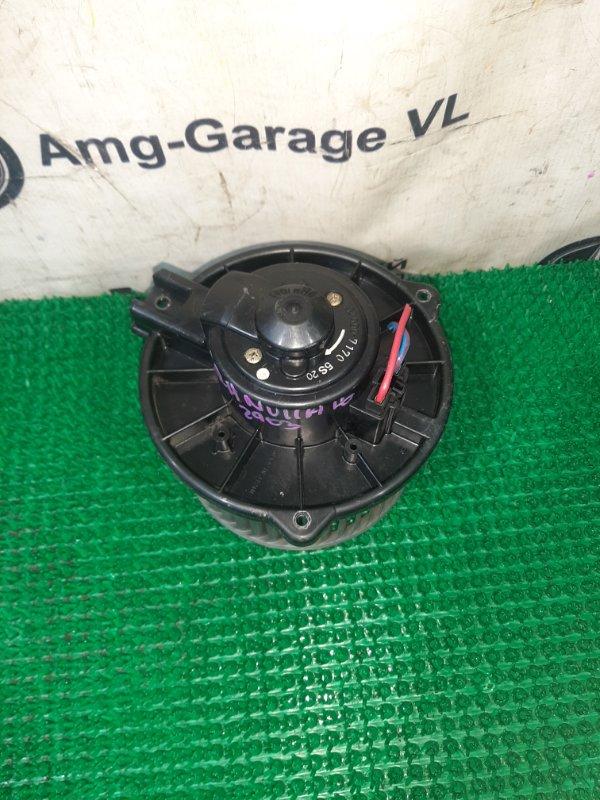 Мотор печки Toyota Granvia KCH16 1KZ-TE 1997