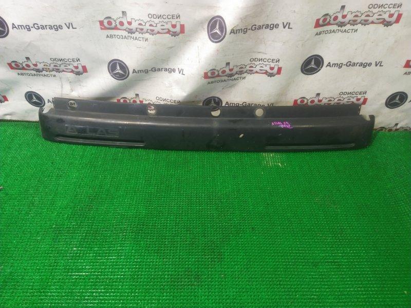 Планка под дворники Nissan Atlas R4F23 QD32 2000