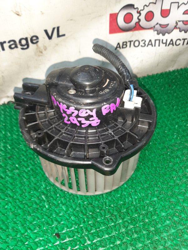 Мотор печки Isuzu Bighorn UBS25DW 6VD1 1995