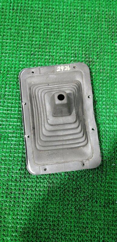 Пыльник рычага перекл. скоростей Mitsubishi Fuso Great FV413J 8DC82AZF4440 1989