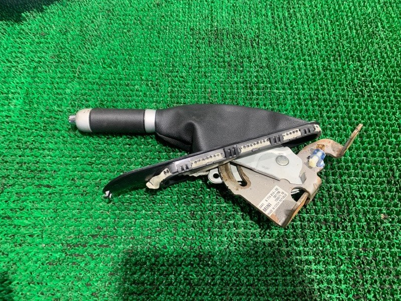 Ручка ручника Bmw Mini Cooper S WMWMF720301 N14B16A 2008