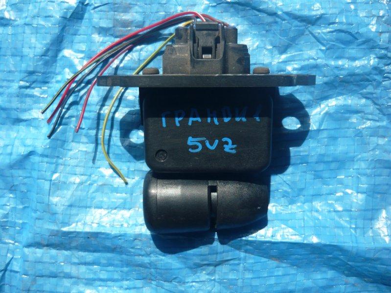 Расходомер воздушный Toyota Granvia VCH16 5VZ