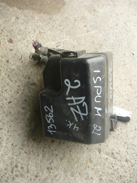 Блок предохранителей Toyota Ipsum ACM21 2AZ