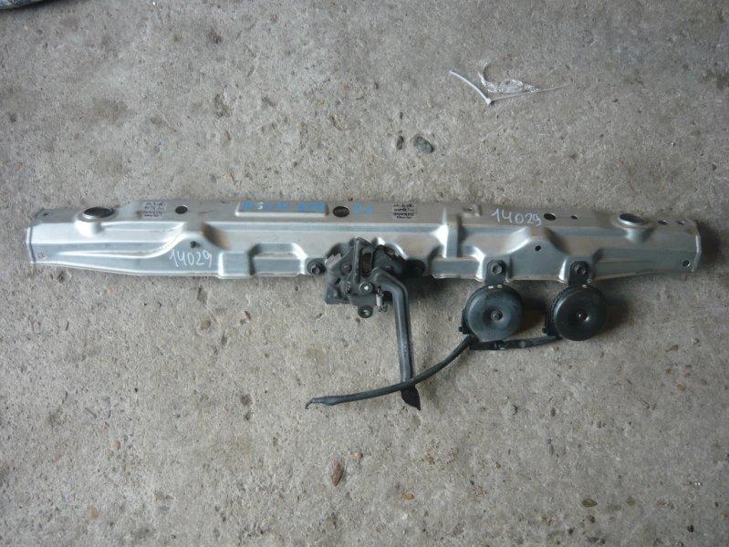 Планка радиатора Toyota Ipsum ACM21