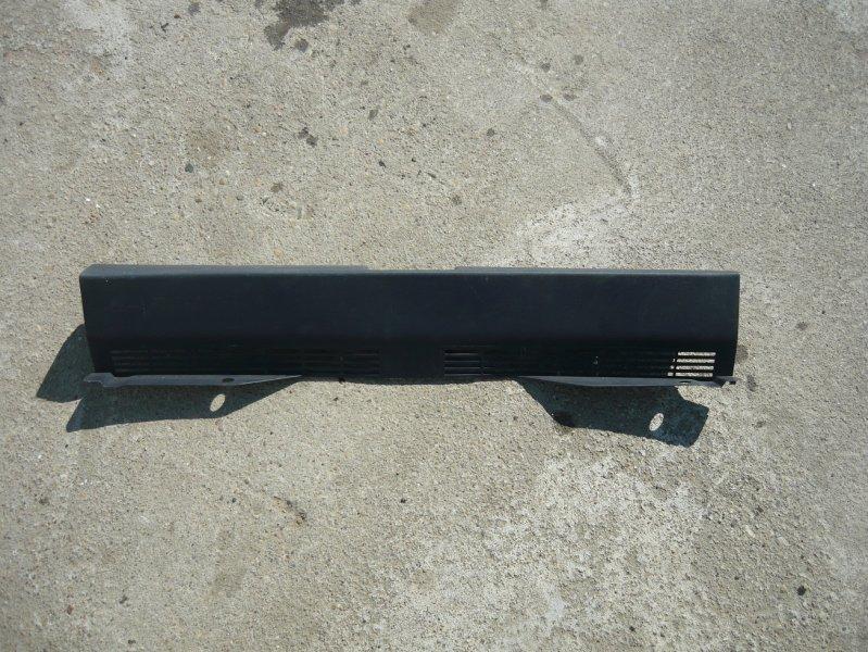 Пластик замка багажника Mitsubishi Colt Z21A