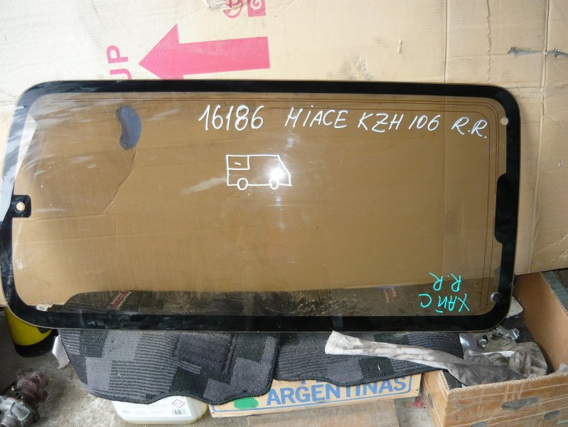 Стекло Toyota Hiace KZH106 заднее правое