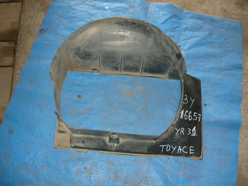 Диффузор радиатора Toyota Town Ace CR31 3Y