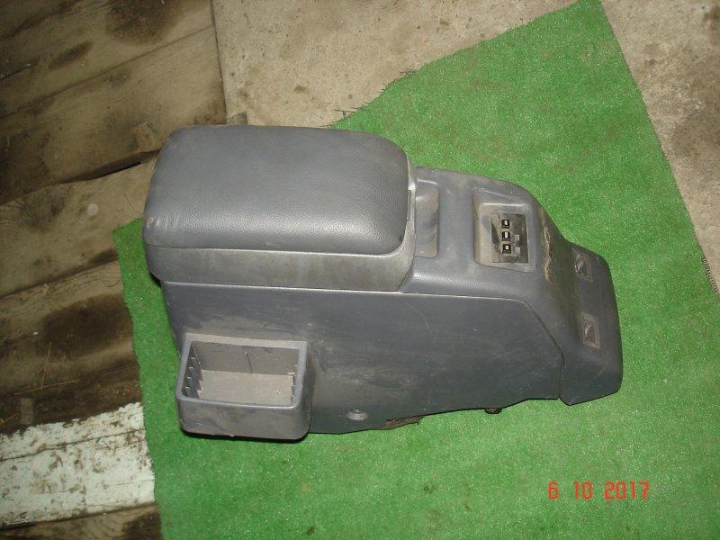 Подлокотник Toyota Land Cruiser HDJ80