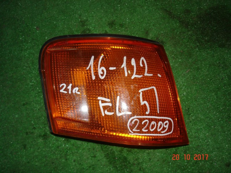 Габарит Toyota Corolla Ii EL51 правый