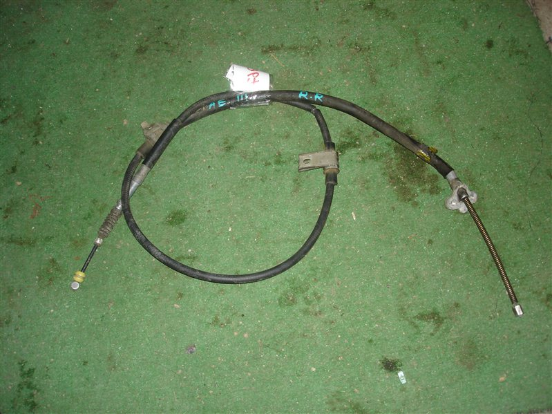 Тросик ручника Toyota Sprinter Carib AE111 задний правый