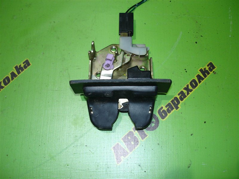 Замок крышки багажника Honda Inspire CC2
