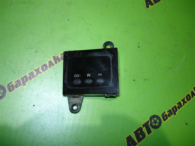 Часы Toyota Hiace KZH106