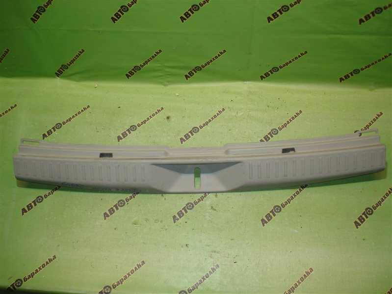Накладка замка багажника Toyota Corolla Fielder NZE141