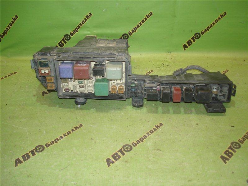 Блок предохранителей Toyota Camry Gracia SXV20