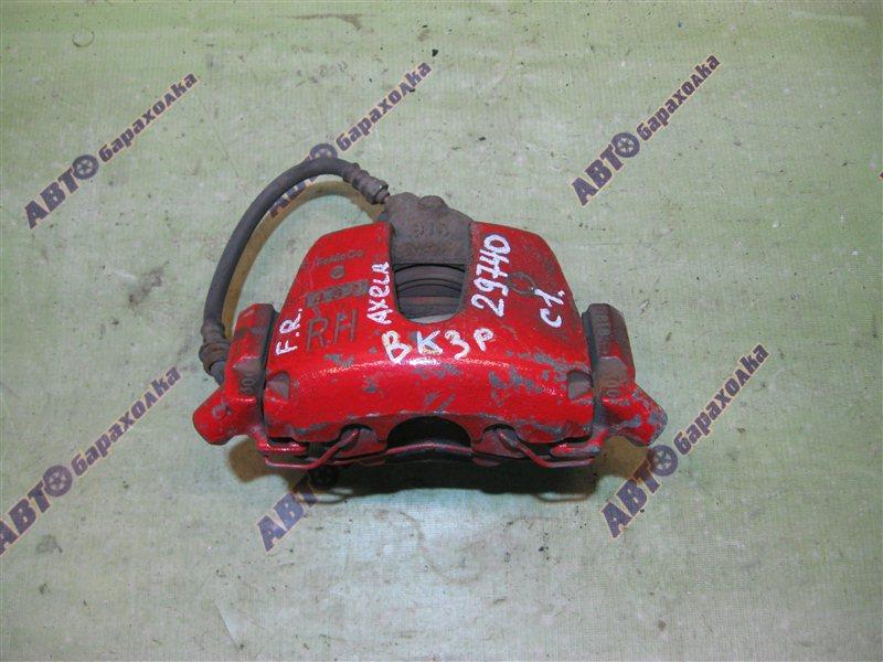 Суппорт Mazda Axela BK3P передний правый