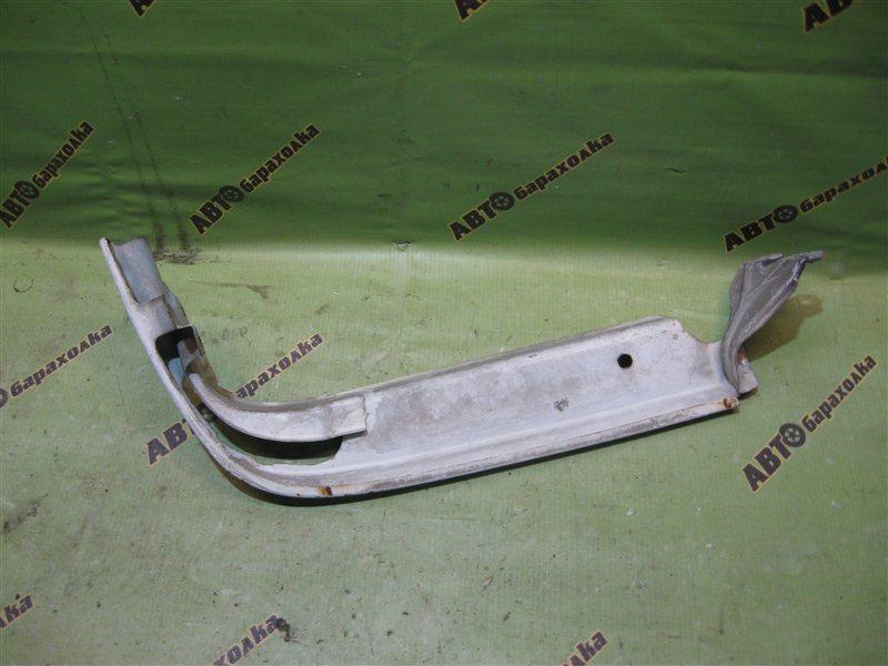 Ресничка Toyota Crown GS131 передняя правая