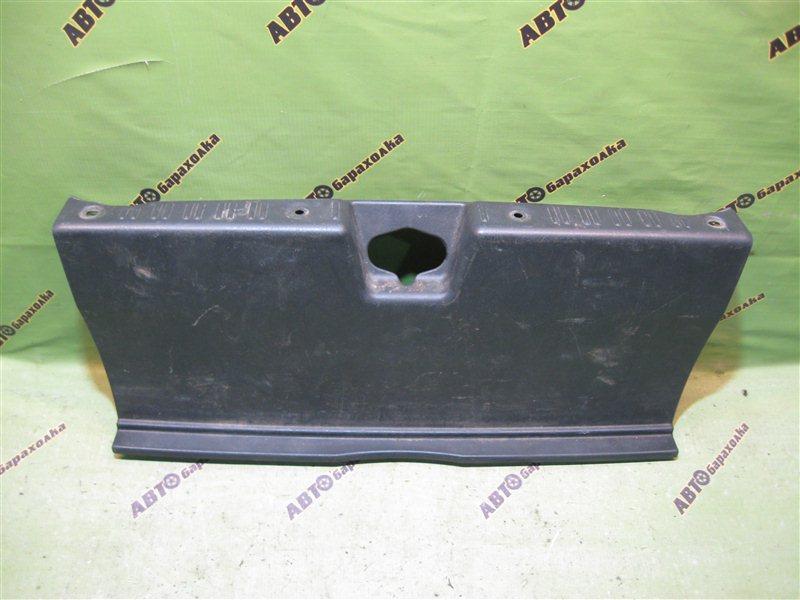 Накладка замка багажника Honda Saber UA4