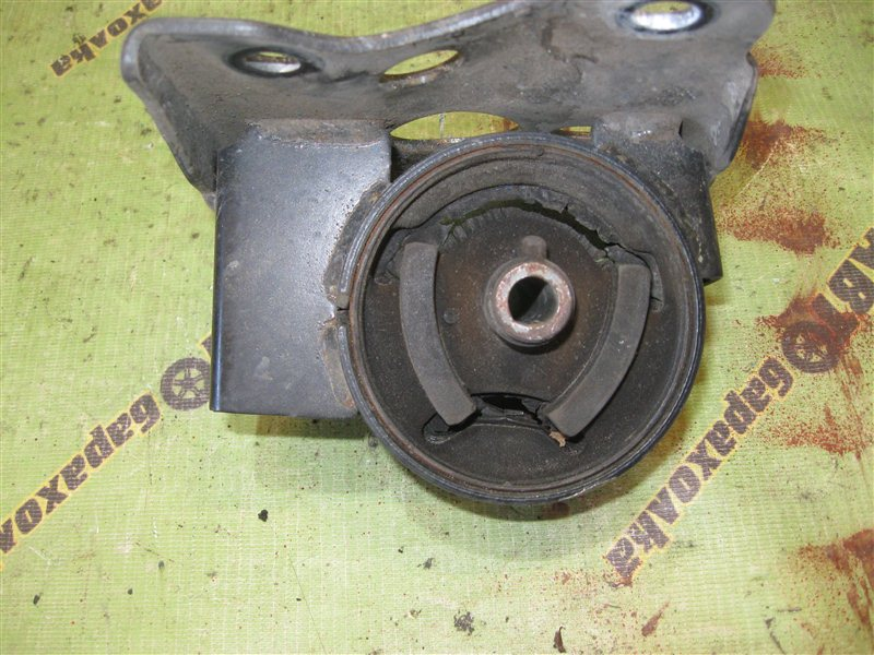 Подушка акпп Nissan Bluebird Sylphy QG10 QG18 передняя левая