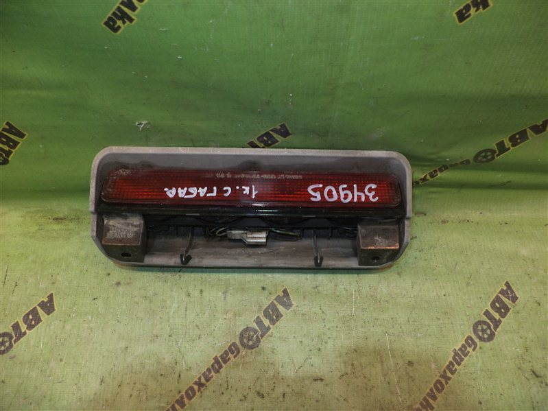 Повторитель стопа Mitsubishi Delica PD8W