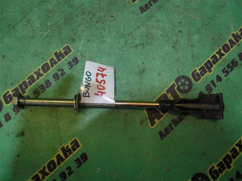 Болт крепления запаски Mazda Bongo SK22