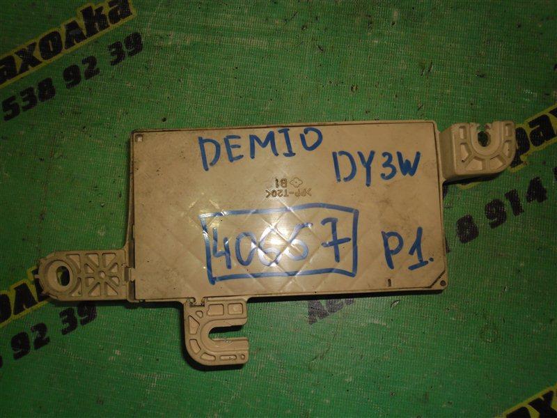 Блок управления кондиционером Mazda Demio DY3W ZJ