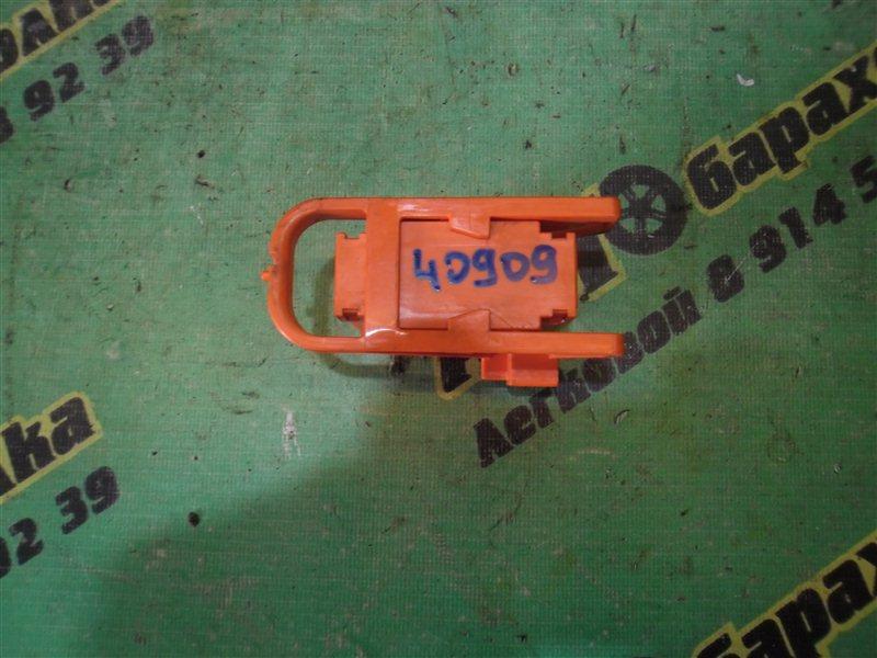 Предохранитель Toyota Corolla Fielder NKE165 1NZ-FXE