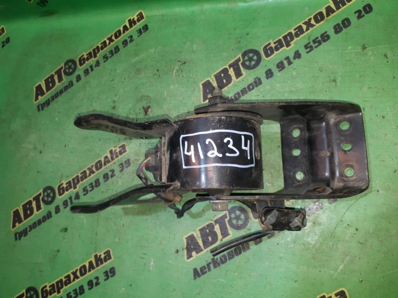 Подушка двигателя Nissan Cefiro PA33 VQ25 передняя