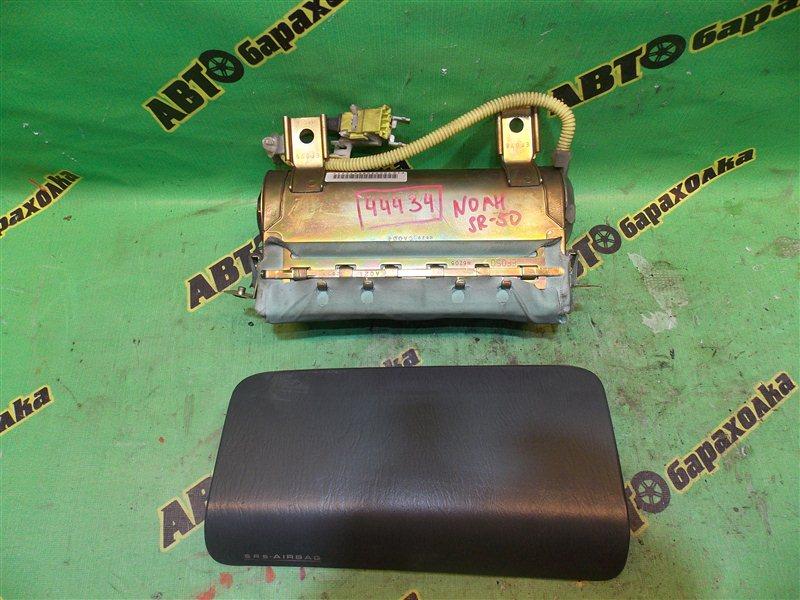 Airbag пассажирский Toyota Noah SR50 3S-FE