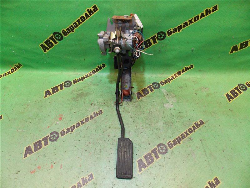 Педаль газа Nissan Elgrand ATWE50 ZD30