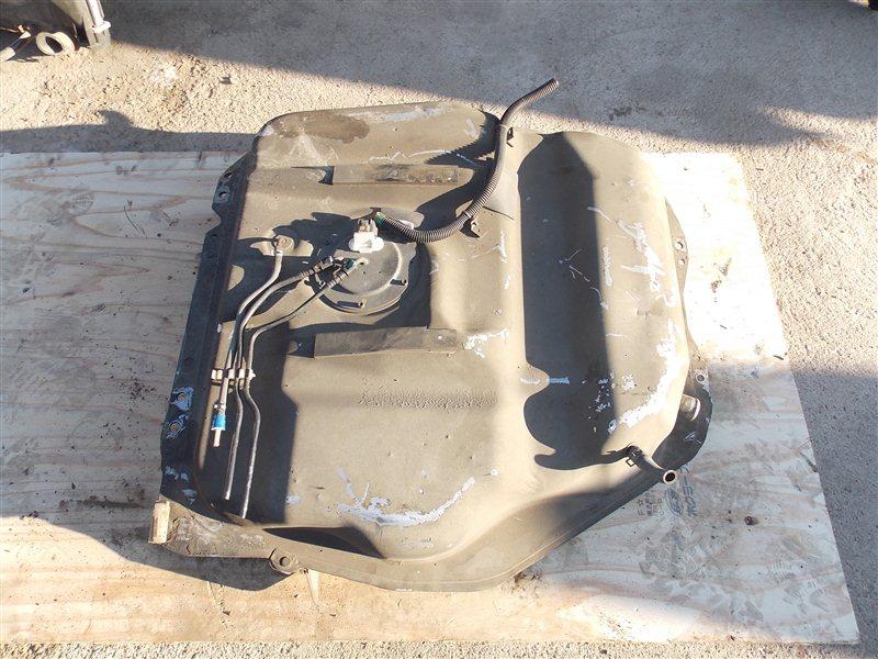 Бензобак Nissan Presage HU30 VQ30