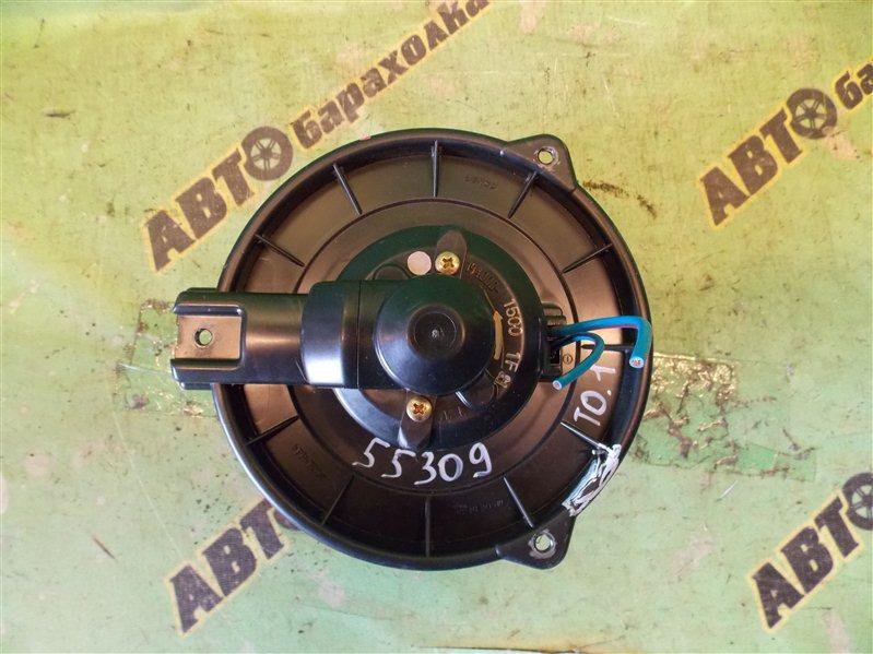 Мотор печки Toyota Voxy AZR60 1AZ-FSE 2004 передний