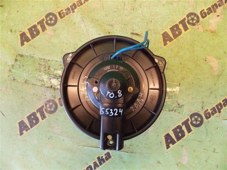 Мотор печки Toyota Voxy AZR60 1AZ-FSE 2004 задний