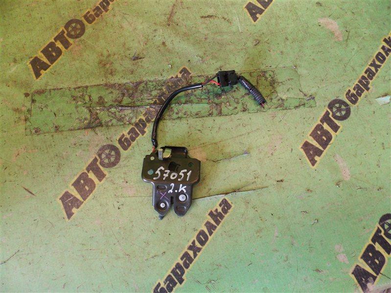 Замок крышки багажника Nissan Presea R11 GA15(DE) 1997 задний