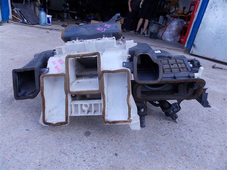 Корпус печки Toyota Ipsum SXM10 3S-FE 2000 передний