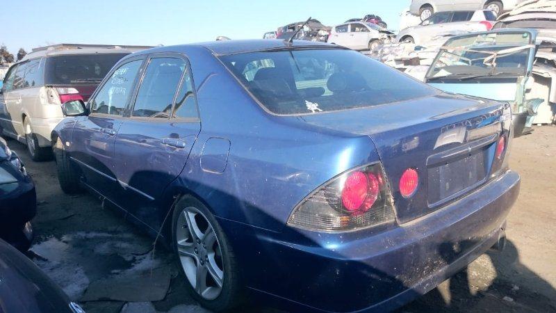 Стекло Toyota Altezza SXE10 3S-GE 2002 заднее левое