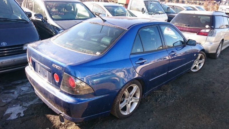 Стекло Toyota Altezza SXE10 3S-GE 2002 заднее правое