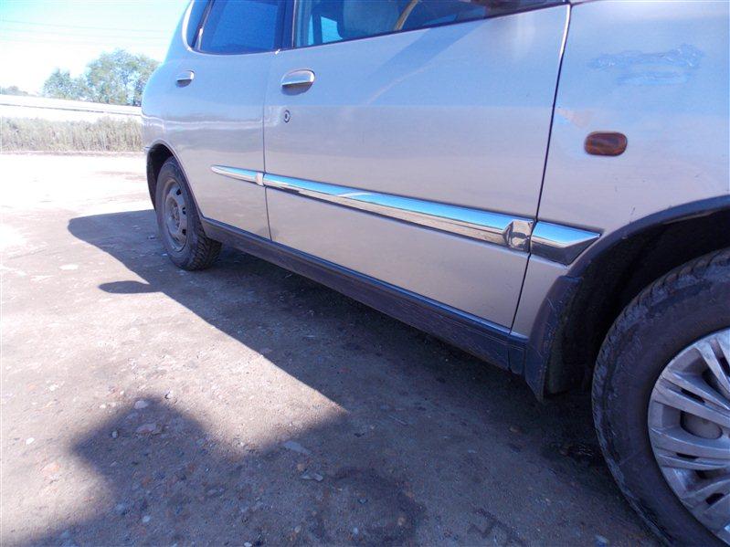 Молдинг на дверь Toyota Duet M101A передний правый