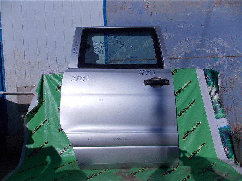 Дверь боковая (раздвижная) Toyota Noah SR50 3S-FE 2000 задняя правая