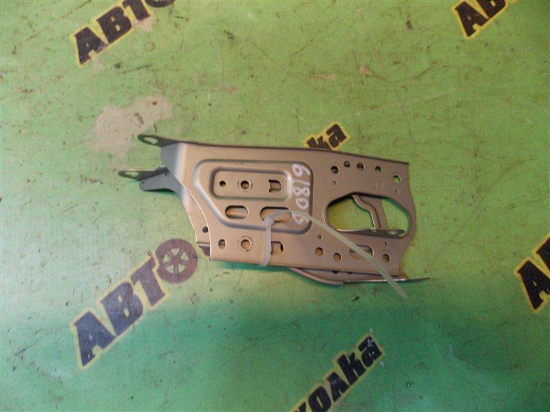 Крепление магнитофона Toyota Mark Ii JZX100 1JZ-GE 1997