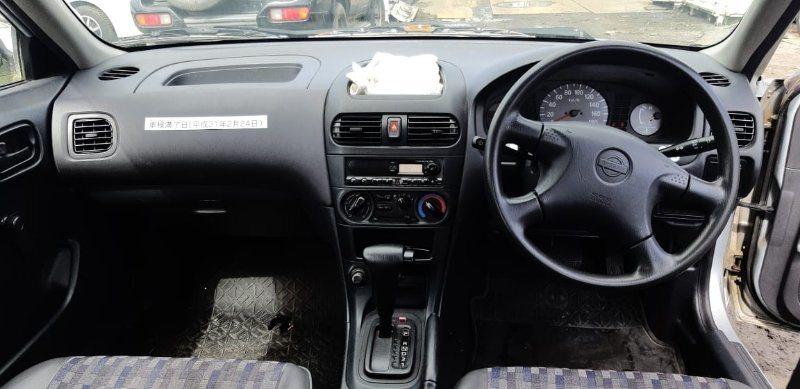 Бардачок в панель Nissan Ad VFY11 QG15(DE) 1999