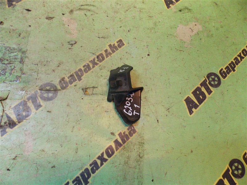 Крепление бампера Toyota Gaia ACM10 переднее правое