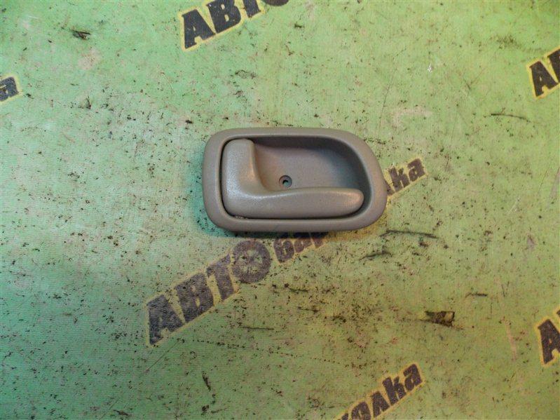 Ручка двери внутренняя Toyota Corolla EE111 4E-FE 2000 передняя левая