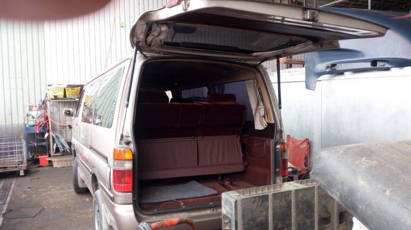 Шторка багажника Toyota Hiace LH107 3L 1992 задняя