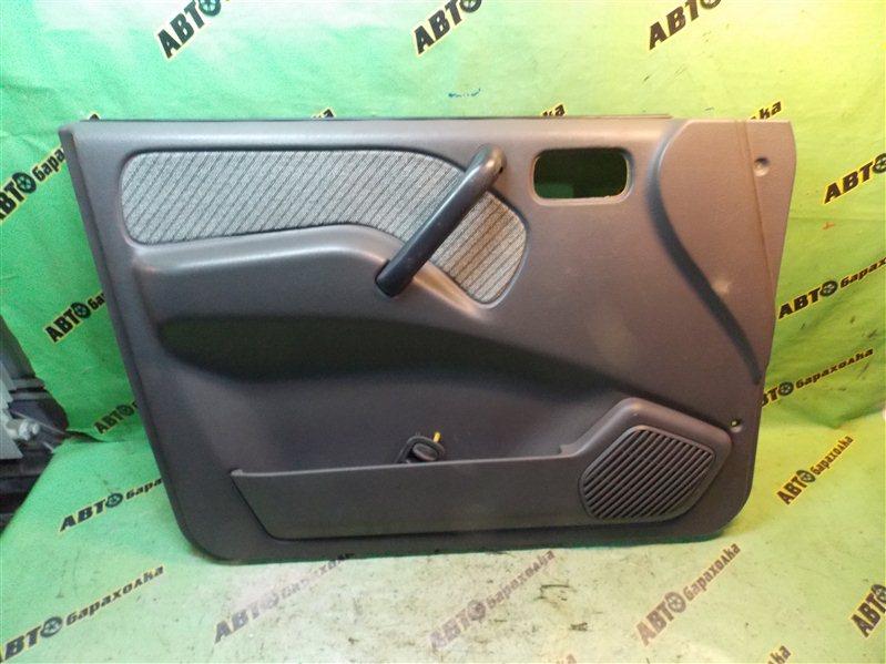 Обшивка дверей Nissan Mistral R20 TD27T