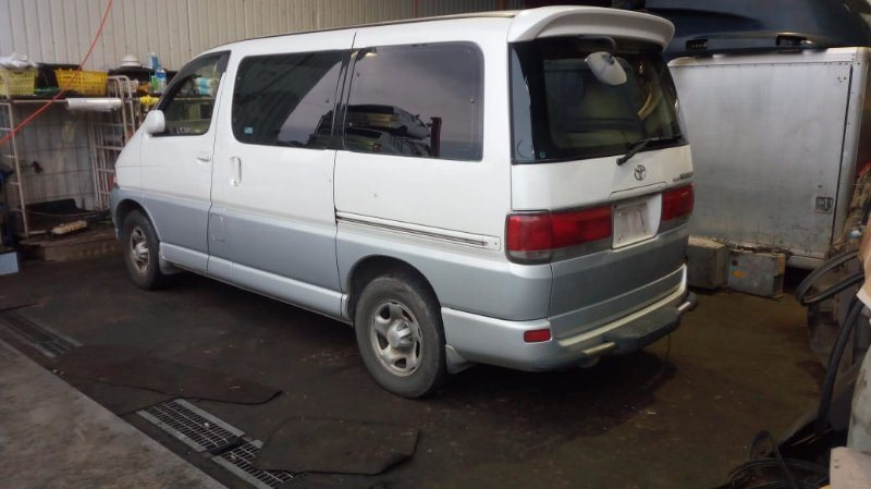 Подножка Toyota Hiace Regius KCH46 1KZ-TE 1999 задняя
