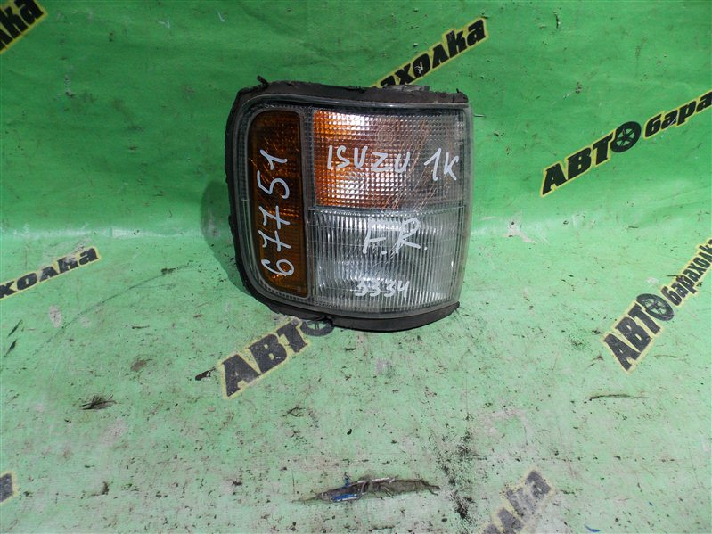 Габарит Isuzu Bighorn UBS69 передний правый